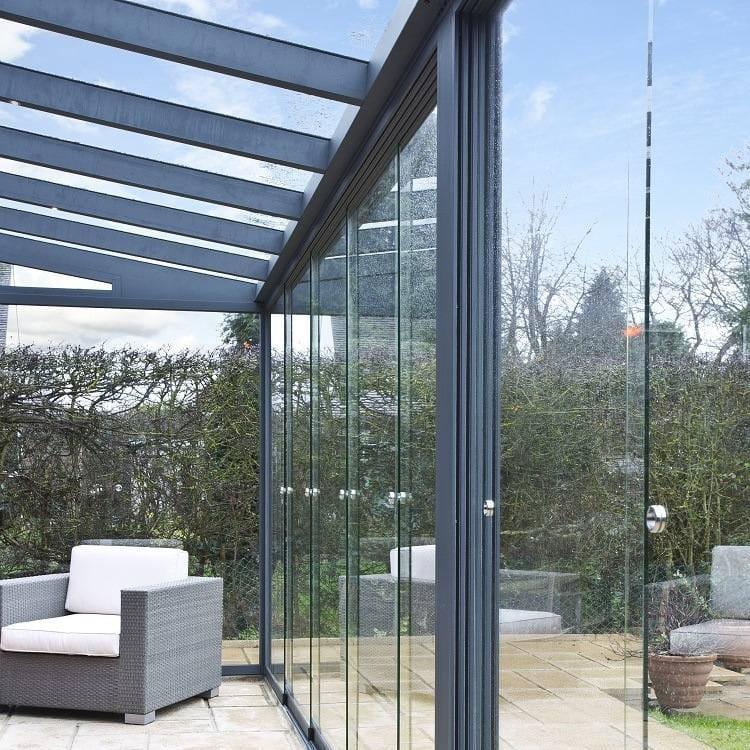 Front Gartenzimmer mit Glasschiebewand