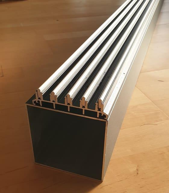 Fundamentbalken-mit-Schiebewand-Schiene