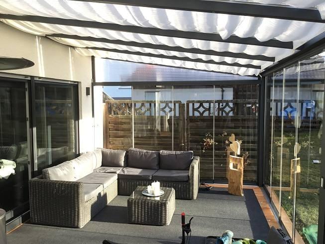 Terrassendach Innenbeschattung Sonnenblenden
